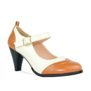Chase + Chloe Shoes - Women's Tan Two Tone Mary Jane Retro Heeled Pump
